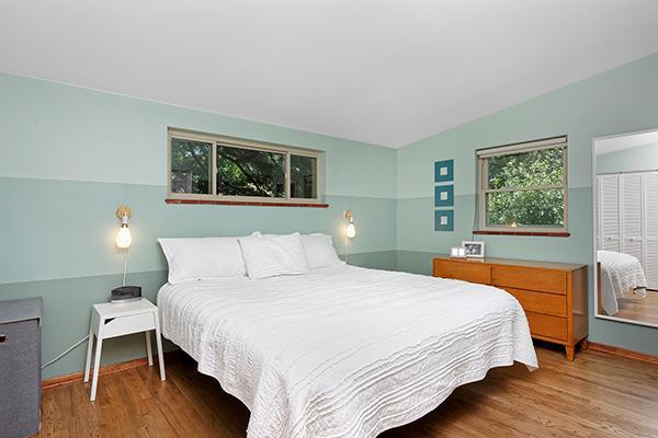 Mid-Century Modern Home - Bedroom