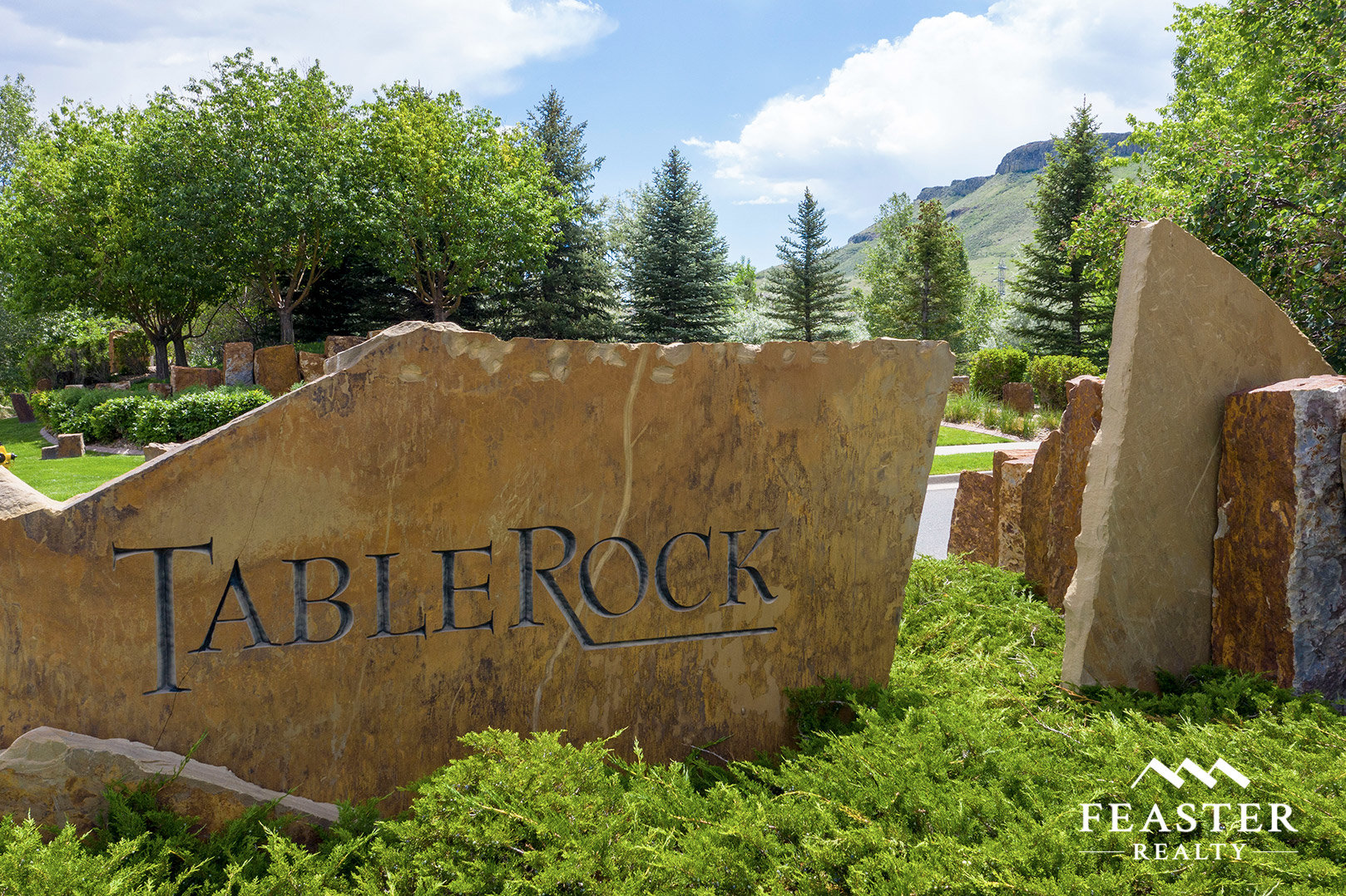Entrance to Tablerock Golden neighborhood