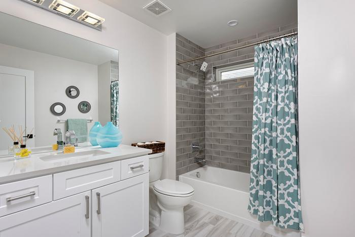 Modern Duplex Feaster Realty Bathroom